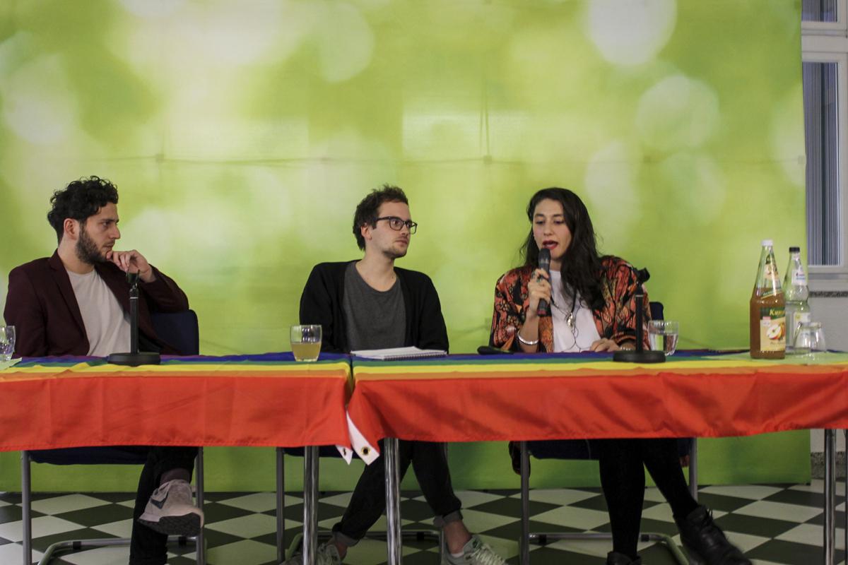 Ceren Saner, turnesi kapsamında Suttgart'ta Yeşiller Partisi yetkilileriyle de buluştu.
