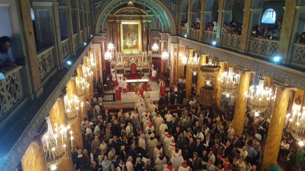 İstanbul'un yeni Latin Katolik Cemaati ruhani reisi - SANATATAK