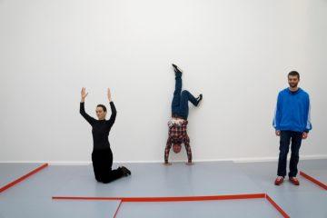 Manuel Pelmuş ve Alexandra Pirici, Modern Sanat Kamu Koleksiyonu, 2014, Max Beckmann'ın Sahil (1927) eserinin canlandırması